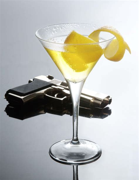 vodka martini shaken not stirred 25 b 228 sta shaken not stirred id 233 erna p 229 pinterest james