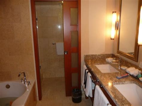paramount bathrooms reviews deluxe bathroom picture of the paramount hotel seattle