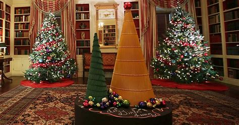 white house decorations see the white house s 2016 decorations photos