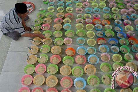 Mangkok Bubur masjid raya sabilal sediakan 1 000 mangkok bubur berbuka