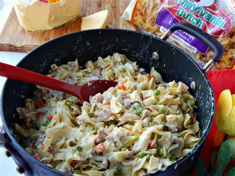 Mystery Lovers' Kitchen: Pennsylvania Dutch Ham and Noodle