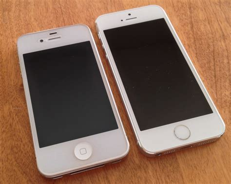 Iphone 4 4s 5 5s file white iphone 4s with screen protector vs iphone 5s