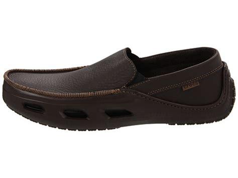 Sepatu Crocs Tideline Leather crocs tideline sport leather 6pm