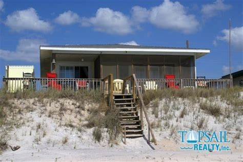 Pin By Topsail Realty On Oceanfront Vacation Rental Homes Topsail Rental Houses