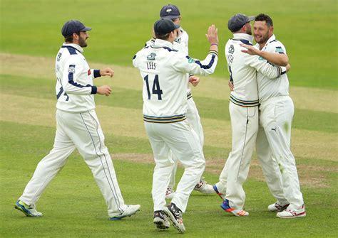 swing cricket yorkshire sing thanks to tim bresnan s swing cricket