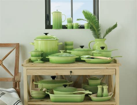 Le Creuset Giveaway - le creuset palm giveaway two peas their pod