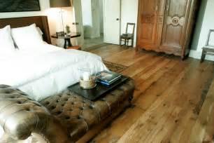 Barn Floor laminate flooring barn wood look laminate flooring