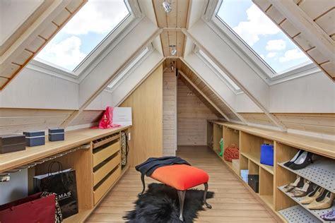 begehbarer kleiderschrank dachgeschoss nauhuri begehbarer kleiderschrank dachschr 228 ge ideen