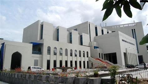 universitas al azhar indonesia uai