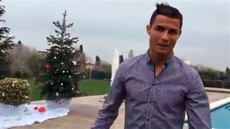 cristiano ronaldo y su casa cristiano ronaldo felicita la navidad y aprovecha para