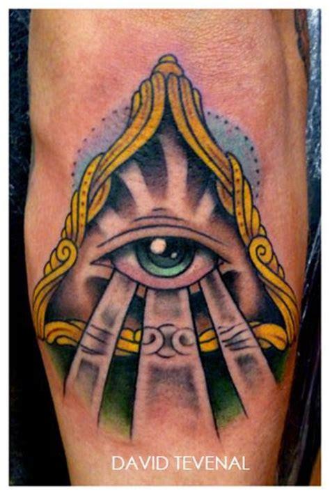 tattoo old school third eye tatouage triangle avec un eoil inkage