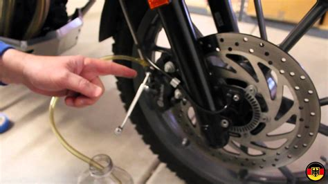 how to bleed abs 2012 bmw 1 series bmw f650gs brake bleed and brake fluid change youtube