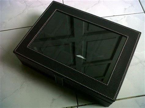 Tempat Jam 12 Kacamata Hitam kotak jam tangan dengan desain elegan hitam isi 12 jogja