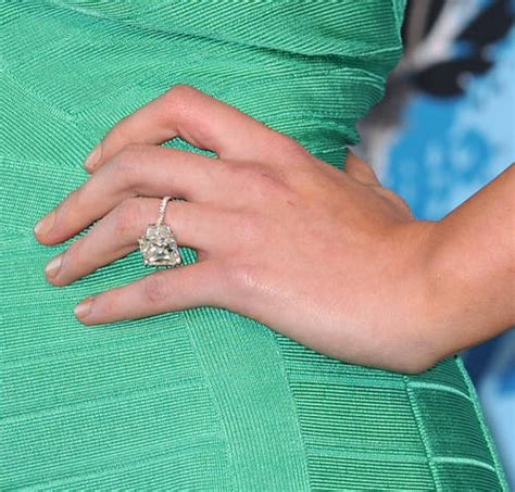 hilary duff s engagement ring