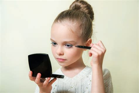 pictures of 9 year old girls makeup what s the right age to wear make up who s the mummy
