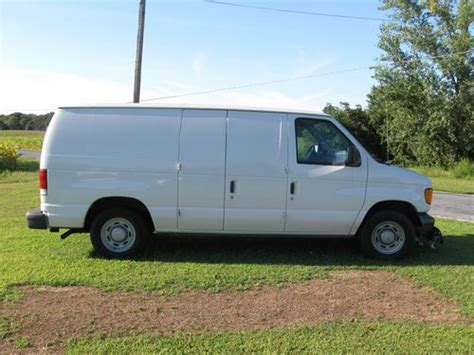 buy used 2005 ford econoline 150 cargo excellent
