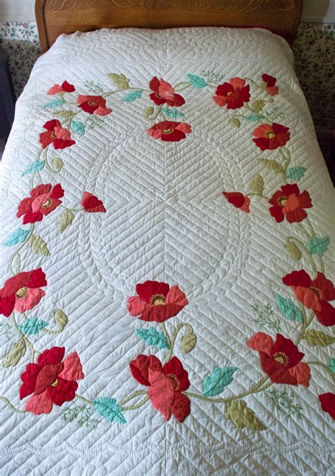 Poppy Applique Quilt Pattern by Vintage Applique Quilt Poppy Appliqued Quilt Bucilla