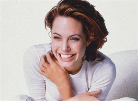 bobs of the 90s short hairstyles 81 best images about 90s angelina jolie on pinterest