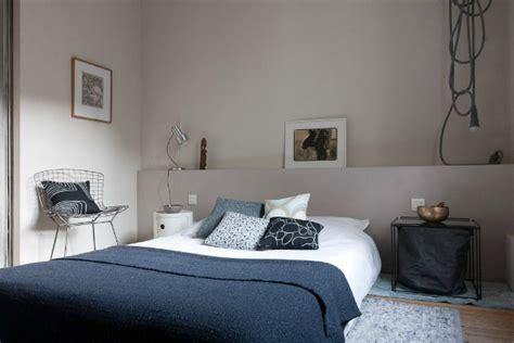 ablage hinterm bett een muurtje achter het bed homease