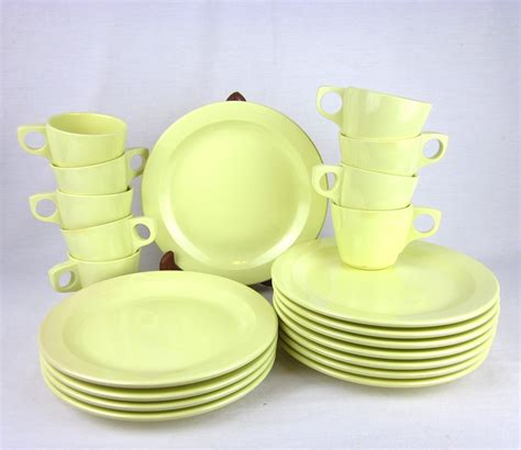 melmac dishes vintage boontown melmac melamine dinnerware set plates cups