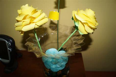 floreros con botellas de plastico diy florero con una botella de pl 225 stico youtube