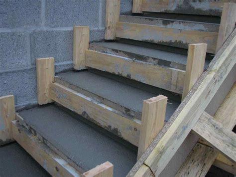 comment coffrer une baignoire carreler un escalier extrieur carreler un escalier design
