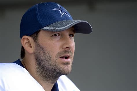 tony romo tony romo retiring from the nfl will replace phil simms at cbs la times