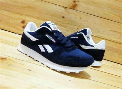 Sepatu Pria Sepatu Boots Classic jual reebok classic navy ar sepatu casual sporty pria