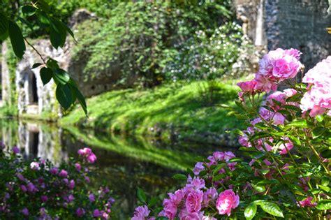 giardini di ninfa postodibloggo giardino di ninfa