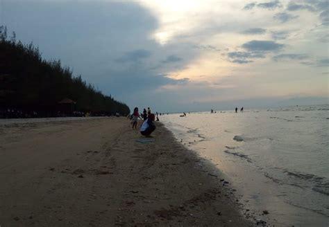 wisata pantai terbaik  rembang wajib  kunjungi