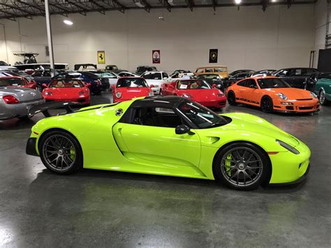 porsche 918 acid green gallery up close with acid green porsche 918