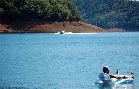 lake shasta boating lake shasta vacation guide house boat rentals things to do