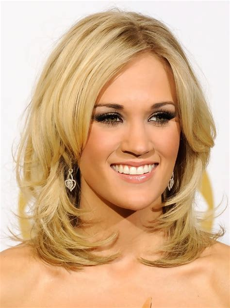 hairstyles with a few layers carrie underwood medium length hairstyle layered hair