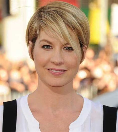 short haircuts for straight hair round face 10 short straight hairstyles for round faces short