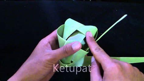 membuat zpt dari daun kelor cara membuat ketupat piramida dari daun lontar youtube