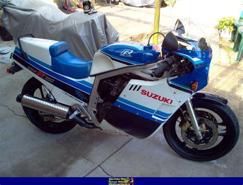 89 Suzuki Gsxr 750 1985 Suzuki Gsx R 750 Pics Specs And Information
