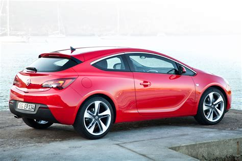 opel red 2015 opel astra gtc luxury things