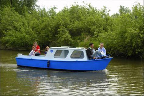 kajuitboot huren biesbosch waterrecreatie drima motorbootje huren