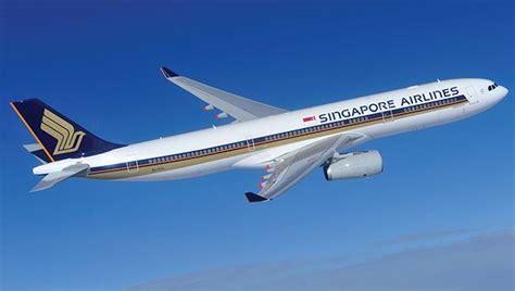 Miniatur Pesawat Emirates Airlines Boeing B777 300er Medium Size airbus a380 800