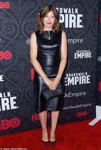edie falco goes for the bronzed look at hbo s boardwalk empire event in new york daily mail online