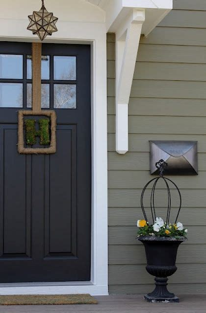 color palette exterior siding is crownsville gray hc 106 by benjamin door is