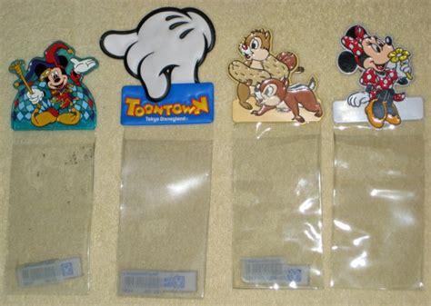 disneyland tokyo id pass ticket holder clip on walt disney mickey minnie mouse chip dale toontown