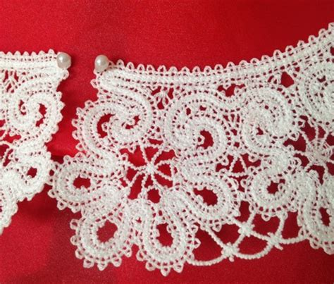 Four Flowers Decoarted Lace Design Collar White freestanding battenberg lace flower collar advanced