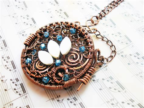 Handmade Locket - wire wrapping jewelry pendant handmade with copper wire