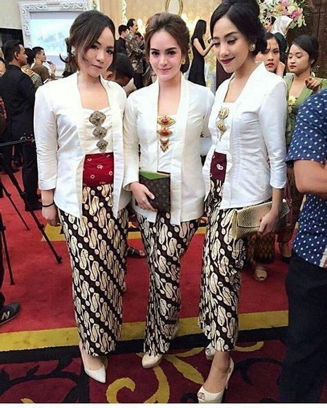 Stelan Kebaya Kutu Baru Floy Abu Abu 2 25 model kebaya kutu baru 2018 modern elegan