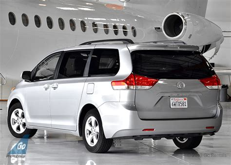 toyota sienna minivan boston airport car rental and taxi cab service luxury car rental suv rental mercedes rental porsche rentals bmw rental escalade rental