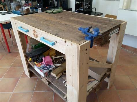 costruire un banco da lavoro in legno banco da lavoro fai da te con pallet