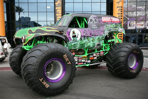 the first grave digger monster truck 100 the first grave digger monster truck mega