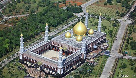 wallpaper masjid agung bandung 10 masjid terindah di indonesia yang akan membuat anda