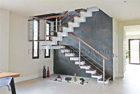escaleras metalicas interiores escaleras zancas met 225 licas escaleras zancas metal